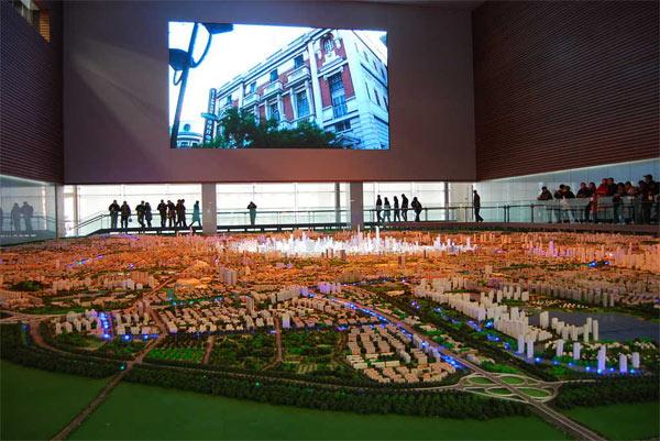 规划展览馆定期进行模型